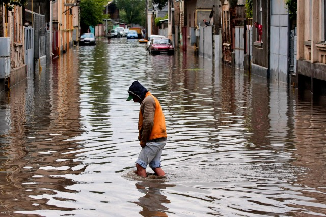 inundatii-foto-mare-ampress.ro_.jpg